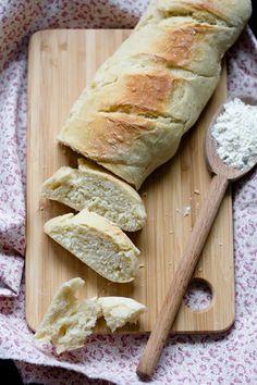 La recette de Baguettes façon Marie Blachère maison par Délice Céleste. Recette maison simple et accessible à tous les budgets.