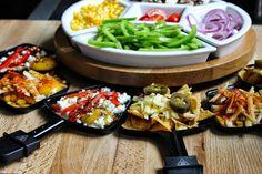 tolle Idee fürs Raclette: Nachos mit Käse überbacken