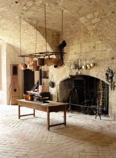 Provence Mon Amour    Love the floor, walls, ceiling ... all of it.