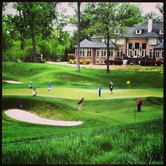 Hole 16 Kingsmill Tuesday practice rounds. #LPGA #kingsmillchampionship #womensgolf #girlsgolf #callawaygolf #taylormadeadidas #adamsgolf #titlest
