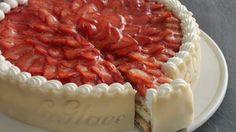 Jordbærtærte fra la La Glace / Strawberry cake from patisserie La Glace Danish Cake, Danish Dessert, Danish Food, Dessert Cake Recipes, Bread Cake, Piece Of Cakes, Tasty Dishes, Cake Cookies, Beautiful Cakes