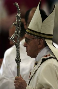 Pope Francis is now using silver staff  (previously used by Pope Paul VI & Pope John Paul II)