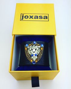 Joxasa leather cuff