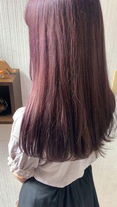 可愛い髪型 レディース ヘアスタイル ラベンダー パープル ピンク土屋 一貴 トムキャット(TOM CAT)の美容師・スタイリス Purple Hair Highlights, Hair Streaks, Fall Highlights, Deep Red Hair Color, Cool Hair Color, Short Grunge Hair, Pink Ombre Hair, Aesthetic Hair, Aesthetic Light