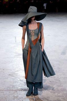 Défilé prêt-à-porter Yohji Yamamoto, automne-hiver 2013-2014, Paris