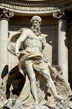 Fontana di Trevi: sculptures and history at: http://www.arteeblog.com/2015/11/a-fontana-di-trevi-suas-esculturas-sua.html