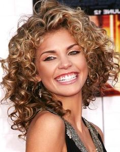 AnnaLyne-mcCords-Shoulder-Length-Curls.jpg 388×492 pixels