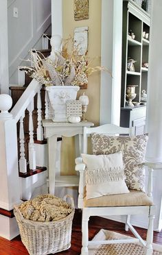 Even the smallest corners can be decorated with great style.