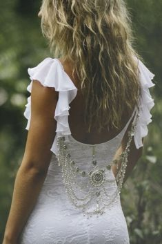 http://www.graceloveslace.com/ #Bohemian #Boho #Bohobride #weddingdress #bohoweddingdress #beachbride #countrywedding #vintagewedding