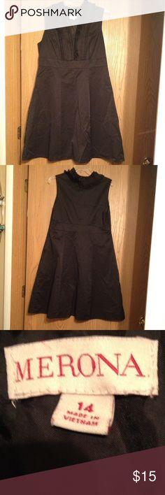 ❤️❤️Dress❤️❤️ Black dress with ruffled collar.  In good condition, slightly wrinkled. Merona Dresses