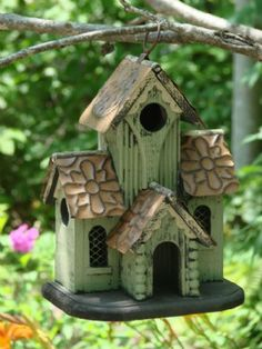 1000 images about unique bird houses on pinterest bird for Different bird houses