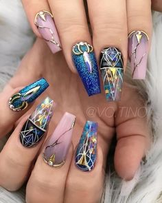 Nail Art Designs In Every Color And Style – Your Beautiful Nails Gem Nails, Hair And Nails, Nail Gems, Bling Nails, Fancy Nails, Pretty Nails, Nail Art Strass, Nailart, Nail Lacquer