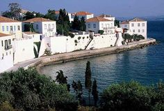 Spetses Planet Earth, Planets, Greece, To Go, Island, Mansions, Country, House Styles, Vacations