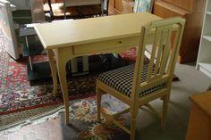 Schreibtisch mit Stuhl bei HIOB Worblaufen  #Schnäppchen #Trouvaille