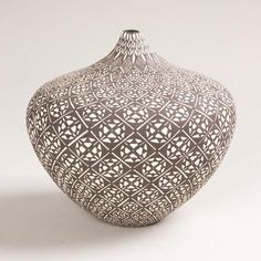 Sandra Victorino Acoma Fine Line B/W Vase