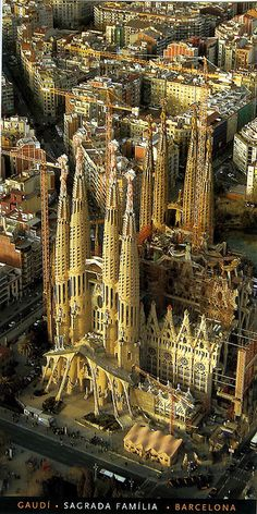 La Sagrada Familia - Barcelona, Catalonia, Spain Great city full of amazing art, fun, and architecture. Gaudi's La Sagrada Familia is a true wonder that should be on everyone's Must See List. Places Around The World, Travel Around The World, Around The Worlds, Beautiful Buildings, Beautiful Places, Modern Buildings, Beautiful Scenery, Places To Travel, Places To See
