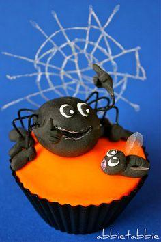 cute spider cupcake