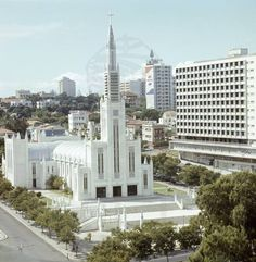 Mozambique - Metropolitan Cathedral of Our Lady of the Immaculate Conception in Maputo Immaculate Conception Cathedral, Places Around The World, Around The Worlds, Paises Da Africa, Maputo, Cathedral Basilica, African Countries, Exotic Places, Guinea Bissau