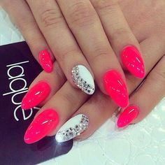 Unhas de gel/stileto nails