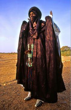 Africa | Tuareg man. Niger. | ©Sergio Pessolano