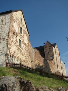 Kastelholm castle in Åland islands, Finland. The Åland Islands is part of Finland, but Swedish blood flows fiercely there as well. Beautiful Islands, Beautiful World, Germany Europe, Old Churches, Grand Homes, Medieval Castle, Baltic Sea, Archipelago, Palaces