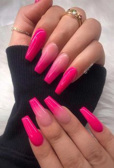 How to choose your fake nails? - My Nails Nails Yellow, Neon Pink Nails, Summer Acrylic Nails, Best Acrylic Nails, Barbie Pink Nails, Pink Acrylics, Gradient Nails, Acrylic Nails Coffin Ombre, Bright Acrylic Nails