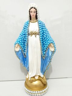 Holy Mary, Ideias Fashion, Victorian, Dresses, Victorian Dresses, Plastering, Pith Perfect, You Complete Me, Environment