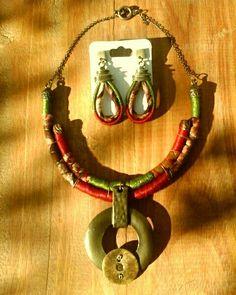 Lindo acessório de tecido africando #colar #brincos #acessório #linhas #estilo #glamur