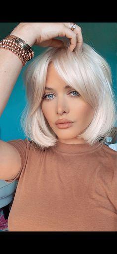 Short Platinum Blonde Hair, Blonde Hair With Bangs, Blonde Hair Makeup, Bleach Blonde Hair, Blonde Hair Looks, Short Hair With Bangs, Blonde Short Hair Cuts, Ombre Bob With Bangs, Blonde Hair Colour