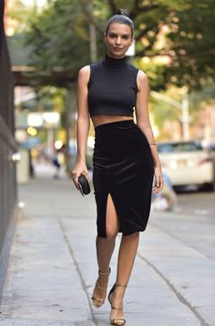 Emily Ratajkowski's crop top and velvet skirt. See 5 other celebrities whose late summer style killed it.