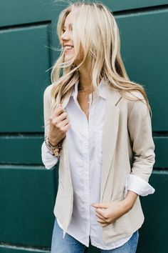 date night ready. Blazer Outfits For Women, Chic Outfits, Work Outfits, Date, Casual Professional, Blazer With Jeans, Denim Jeans, Blazer Fashion, Sustainable Clothing