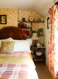 Period Living ( ): Real home: a traditional Welsh cottage gets a vintage transformation Cottage Bedroom, Home Bedroom, Country Cottage Decor, Bedroom Vintage, Beautiful Bedrooms, Cottage Decor, Home Decor, Country Bedroom, Cottage Style Homes
