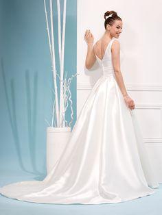 Glamour, Rock, Formal Dresses, Wedding Dresses, Tennessee, Bridal, Fashion, Cutaway, Bride Groom Dress