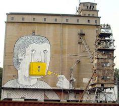 http://www.blublu.org/sito/walls/2010/big/017.jpg