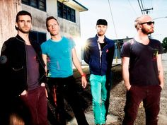 "Coldplay's ""Atlas"": See The Lyrics To The 'Hunger Games: Catching Fire' Soundtrack Song Coldplay Live, Chris Martin Coldplay, Love Band, Cool Bands, Soundtrack Songs, Phil Harvey, Free Internet Radio, Hunger Games Catching Fire, Britpop"