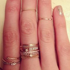 Been trying to find thin gold rings like these.