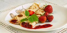 Hrníčkový recept na palačinky Strawberry, Fruit, Ethnic Recipes, Food, Essen, Strawberry Fruit, Meals, Strawberries, Yemek
