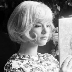 *m. Sylvie Vartan with a gorgeous 60s bob