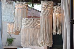 Macrame Wall Hanging Diy, Macrame Plant Holder, Macrame Plant Hangers, Macrame Art, Handmade Chandelier, Diy Chandelier, Chandeliers, Deco Surf, Boho Lighting