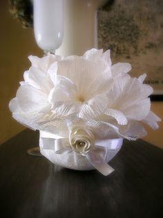 Le creazioni di Carmen: Kit completo da matrimonio realizzato a mano con fiori in carta crespa, decorazioni con fiocco e rose in doppio raso