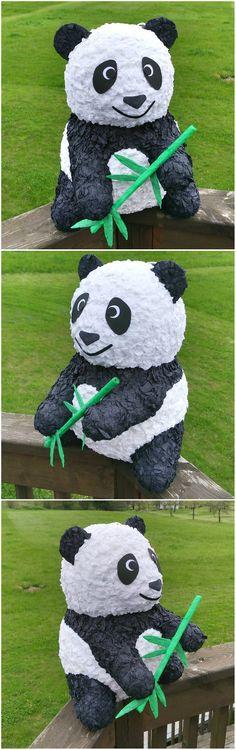 Jak překvapit na oslavě narozenin? Třeba takovouto piňatou medvídkem pandou. Nebo nějakou jinou piňatou - máme jich více, skočte se podívat na www.pinata.cz, najdete tam i návod, jak oslavu s piňatou provést.