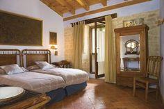 Palacio de Orisoain en #Orisoain (Navarra) te brinda la oportunidad de disfrutar de dos #noches en habitación doble con desayuno continental y dos cenas llenas de #romanticismo Con este #WonderPlan #RealizaTusSueños