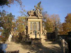 Epochaplus.cz – Zajímavé články z celého světa Big Ben, Mansions, House Styles, Building, Travel, Monuments, Blog, Image, Viajes