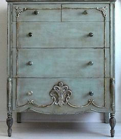It may sound odd but shabby chic furniture is highly in demand these days. You must be thinking that how can something chic and elegant be shabby. Distressed Furniture, Recycled Furniture, Shabby Chic Furniture, Vintage Furniture, Shabby Chic Bedrooms, Shabby Chic Homes, Shabby Chic Decor, Paint Furniture, Furniture Makeover