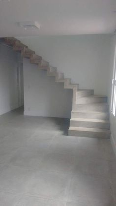 Concrete stairs interior house Ideas for 2019 Home Stairs Design, Interior Stairs, House Design, Stair Design, Flur Design, Beton Design, Layouts Casa, House Layouts, Concrete Staircase