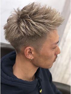 ビゼ ジェネシス(BIZE Genesis ) ~ツーブロックホワイトアップバング~ Asian Men Hairstyle, Japanese Hairstyle, Asian Hair, Short Pixie Haircuts, Girl Haircuts, Hairstyles Haircuts, Hair And Beard Styles, Short Hair Styles, Trending Hairstyles For Men