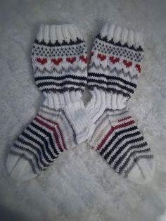 Knitting Socks, Knit Socks, Mittens, Crochet Shoes, Blog, Ideas, Fingerless Mitts, Fingerless Mittens, Blogging