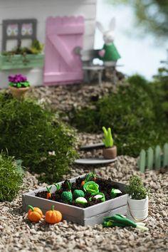 Miniature garden  www.pandurohobby.com Miniature worlds by Panduro #panduro #diy #miniature #miniatyr #miniland   #easter #påsk #påskhare #miniatures #easterbunny #mini #fairy #pixie #malmö