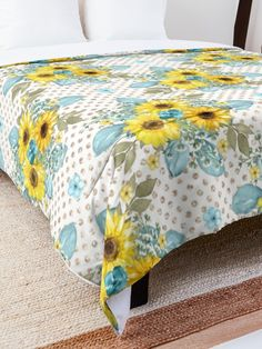 'Sunflower Design' Comforter by Shane Simpson College Dorm Rooms, College Dorm Bedding, Sunflower Design, Make Your Bed, Square Quilt, Twin Xl, King Size, Quilt Patterns, Comforters
