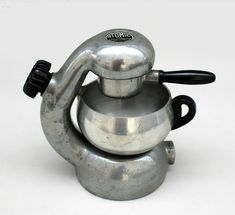 Atomic coffee maker designed by Giordano Robbiati